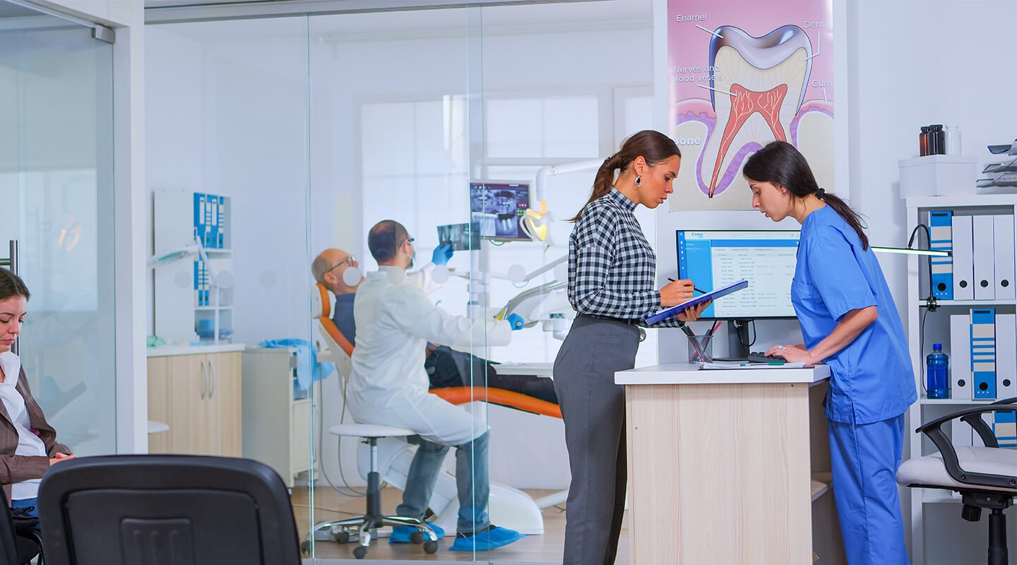 7 Things to Look For When Hiring Dental Payroll Services